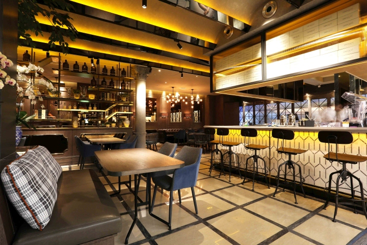 Socieaty restaurant by metaphor interior at plaza for Interior design jakarta