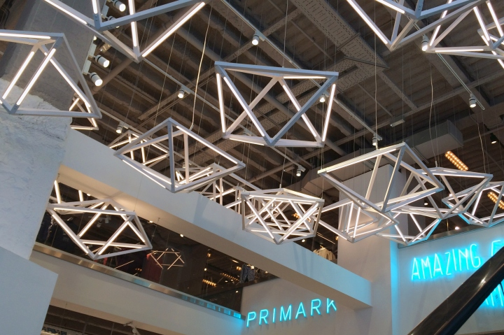 Primark gran via lighting feature by unibox retail and - Primark home espana ...