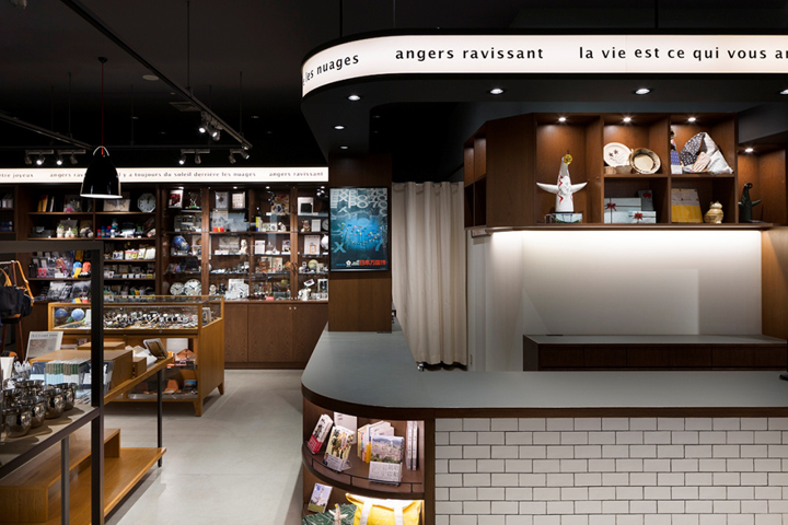 Angers Ravissant Expocity Shop By Space Osaka Japan 187 Retail Design Blog