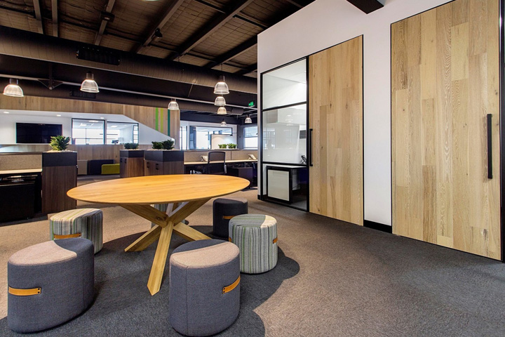 Cameron industrial offices by a1 office melbourne for Commercial office space design ideas