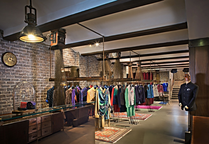 The Interior Revolved Around Name HERITAGE Recreating Weaving Environment Using Typical Detailing Enticing Customer Into A Relaxed Yet