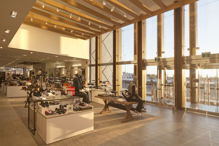 Hudsons Bay Company Store By Pellow Associates At Hillcrest Mall Toronto Canada