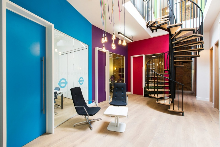 Lithium offices by thirdway interiors london uk for Retail interior design agency london