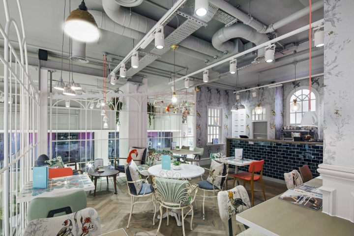 Oasis flagship store at tottenham court road by dalziel for Retail interior designers in london