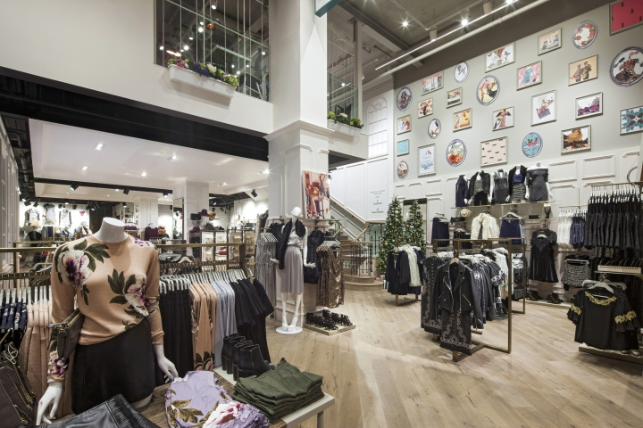 Oasis flagship store at Tottenham Court Road by Dalziel & Pow, London – UK