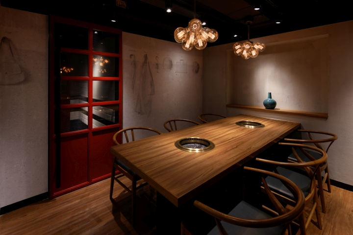 Restaurant Space Is Divided Into Three Areas The Main Hall With Big Counter Seats Semi Private Dining Area And Room