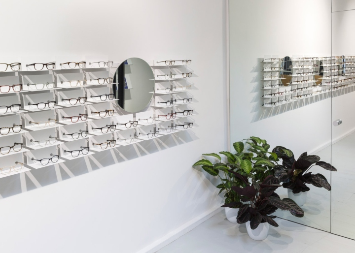 A Separate Consultation Room Is Hidden Behind The Mirrored Surface. Its  Walls Are Completely Covered In Grey Coloured Felt, Which Is Intended To  Absorb Any ...