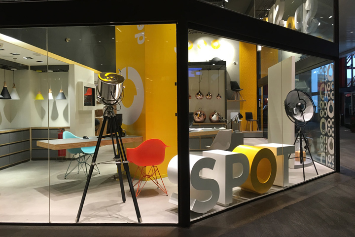 spot is a brand focused on chairs and lamps that offers trendy products therefore need being presented as modern dynamic and vibrant