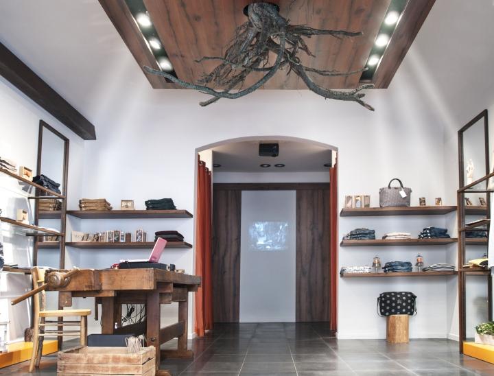 Faenza Italy  city photo : ... clothing store by ragodesign , Faenza – Italy » Retail Design Blog