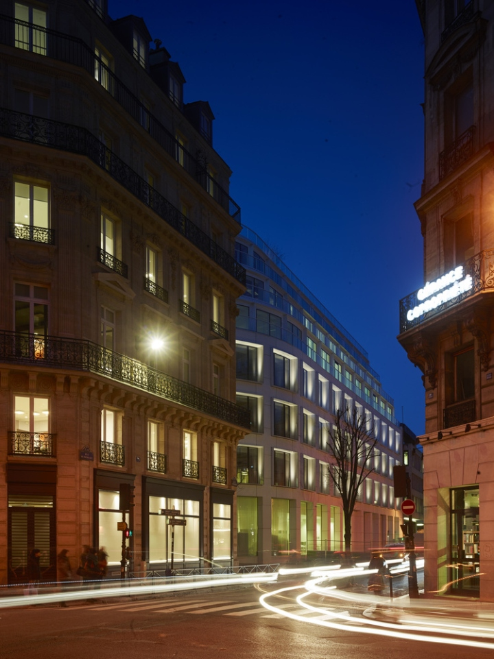 Cloud paris by philippe chiambaretta architecte drancy for Architecte france