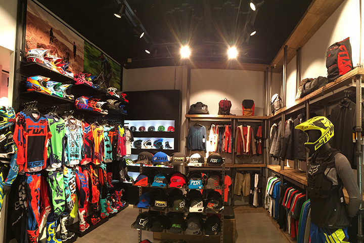 Foxhead clothing store locations