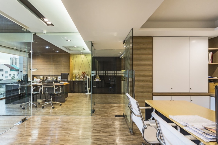 Silver Bar Offices By K2design Bangkok Thailand