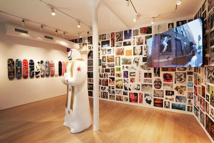 Supreme Store Paris France 187 Retail Design Blog