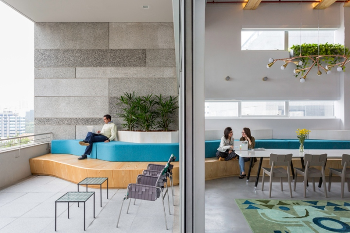 airbnb has shared with us their newly established office in sao paulo merging brazilian design with the companys philosophy within one workspace airbnb offices