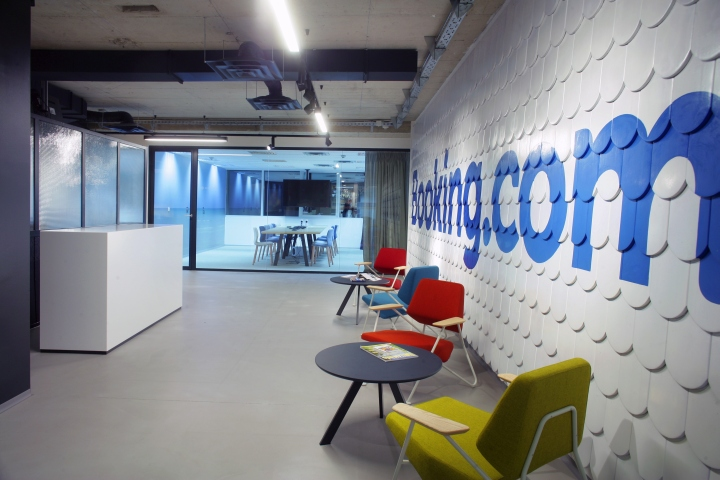 With Details Employees Fill In Themselves Such As Writable Walls Or Lockers The Second Socializing Zone Is More Colorful Filled Zagreb
