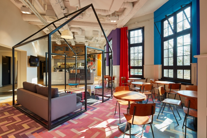 Generator hostel by design agency amsterdam netherlands for Hostel design