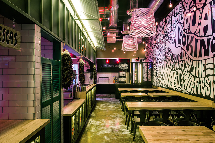 Salsa Fiesta opened it newest restaurant location in Downtown Miami. The design concept is simply to bring the urban street atmosphere indoor in the ...