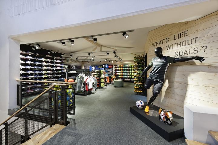 德国intersport klpping体育用品店设计