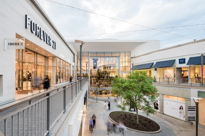 Del Amo Shopping Center - Del Amo Fashion Center 92