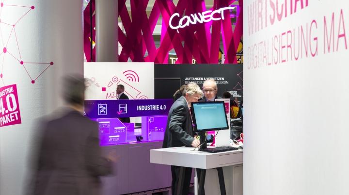 Deutsche telekom trade fair stand at hannover messe 2015 for Designhotel hannover