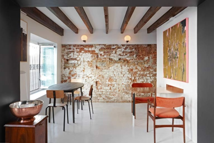 Attrayant ... And Features A Contemporary Interior By Local Practice Atelier Interiors.  The Setting Oozes The Neighbourhoodu0027s Effortless Cool With Distinct South  ...