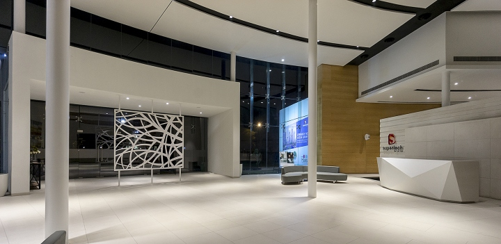 Supertech hues sales office by the blue leaves design for Sales office design ideas