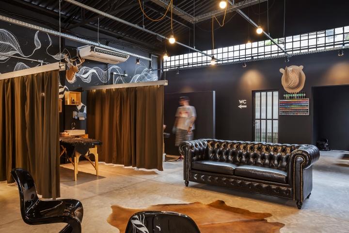 Tattoaria house by studio dlux s o paulo brazil retail design blog - Tattoo studio decor ...