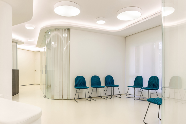 Valles valles dental office by ylab arquitectos for Dental clinic interior designs