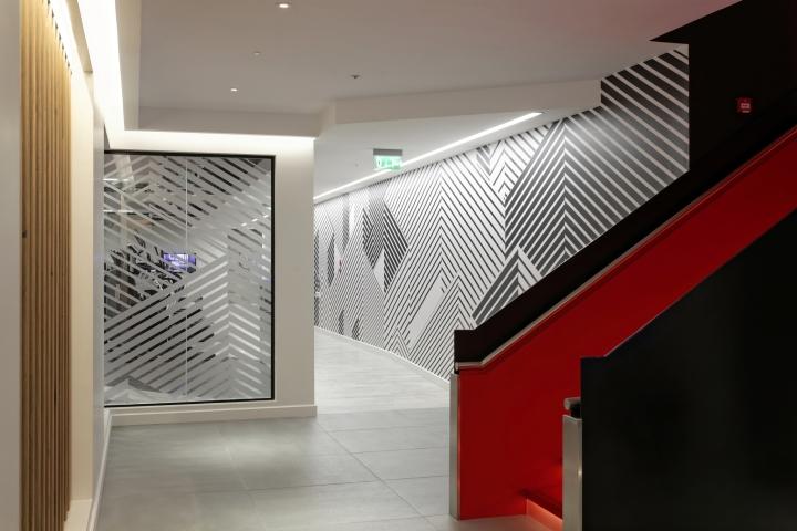 Virgin active lighting by hoare lea lighting london uk for Retail interior designers in london