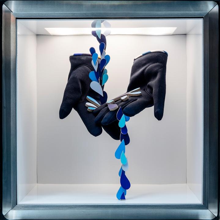 Hermès 'Making Waves' Windows By Isabelle Daëron, Tokyo