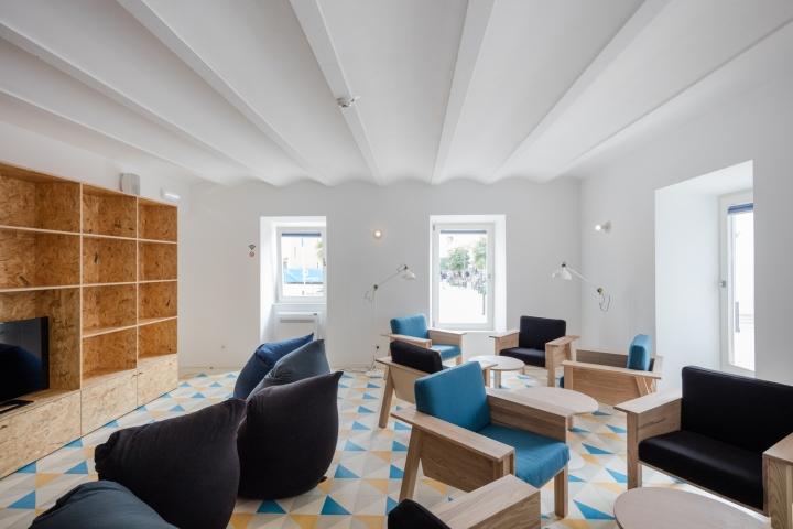 Hostel conii by estudio ods quarteira u portugal