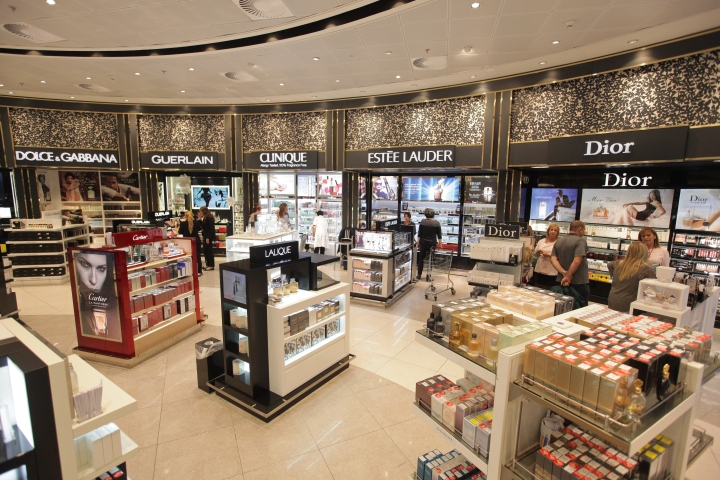 James richardson duty free shop by umdasch shopfitting for Design online shop