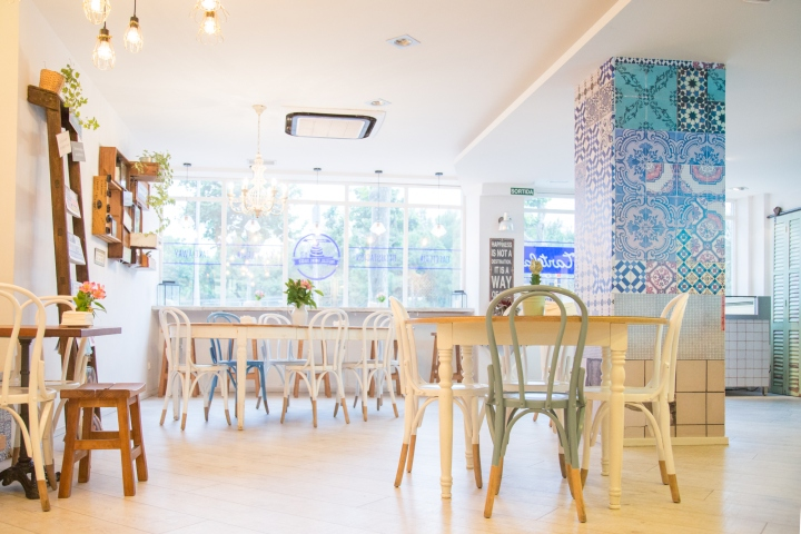 Tartela cake shop caf by ecm interiorismo barcelona spain retail design blog - Tea shop barcelona ...