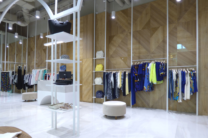 Dresses is a Patrizia Pepe and PINKO store located in Galleria shopping centre in the city of Burgas, Bulgaria. The space provided for the store was ...