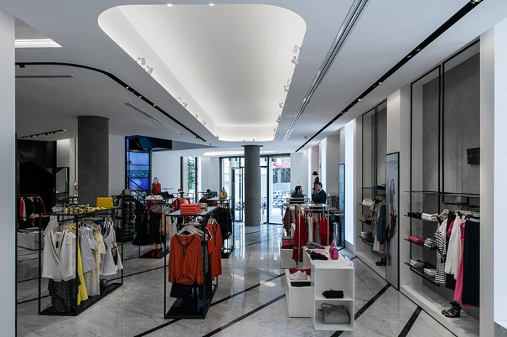 Customers That Step Inside The Store Immediately Notice A Unique Blend Of Classical And High Tech Elements Will Usher Them Into New World GS