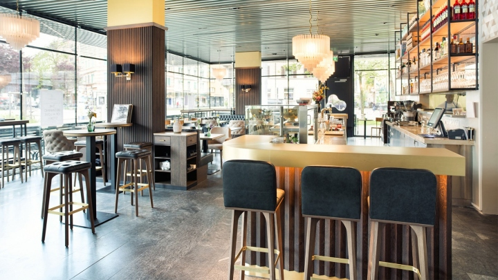 Grand caf lochergut by dyer smith frey zurich for Kitchen design zurich