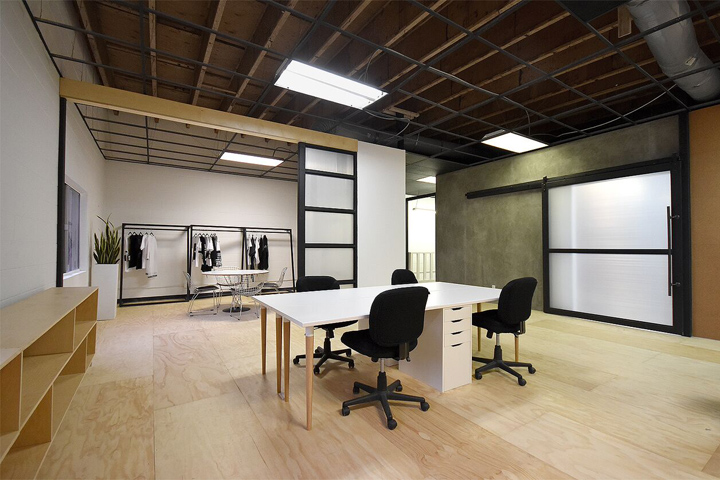 Hlzblz office by a industrial design build los angeles for Commercial space design