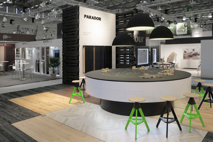 parador stand at branchentag holz by preussisch portugal cologne germany - Broken Design Holzmobel
