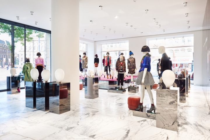 De bijenkorf flagship store amsterdam netherlands for Interieur stage amsterdam