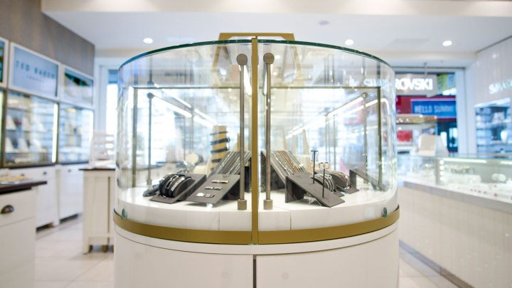 187 Fossil Jewellery Store By Global Display London Uk