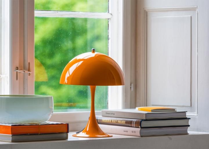 panthella mini lamp by louis poulsen retail design blog. Black Bedroom Furniture Sets. Home Design Ideas