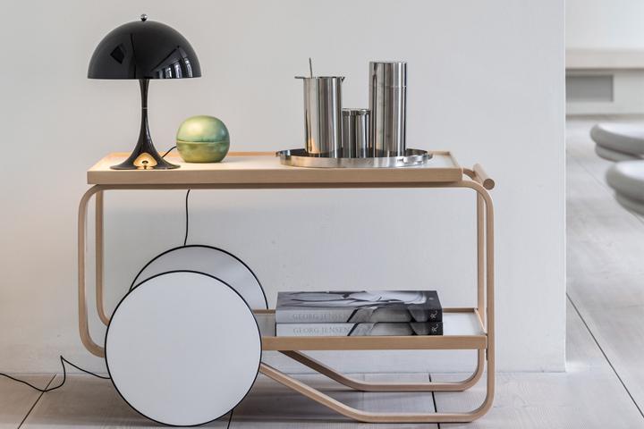 panthella mini lamp by louis poulsen. Black Bedroom Furniture Sets. Home Design Ideas