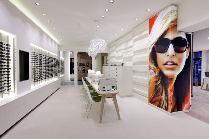 Design Optician Shop With Hip Brands Give This A Sharp Look In Particular It Will Do Great Job Challenging Surprising And Serving Its Young