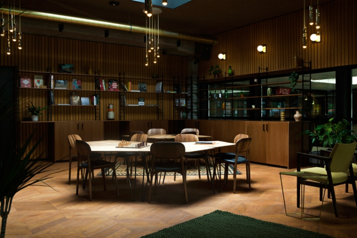 Hotel v fizeaustraat amsterdam netherlands retail for Designhotel unna