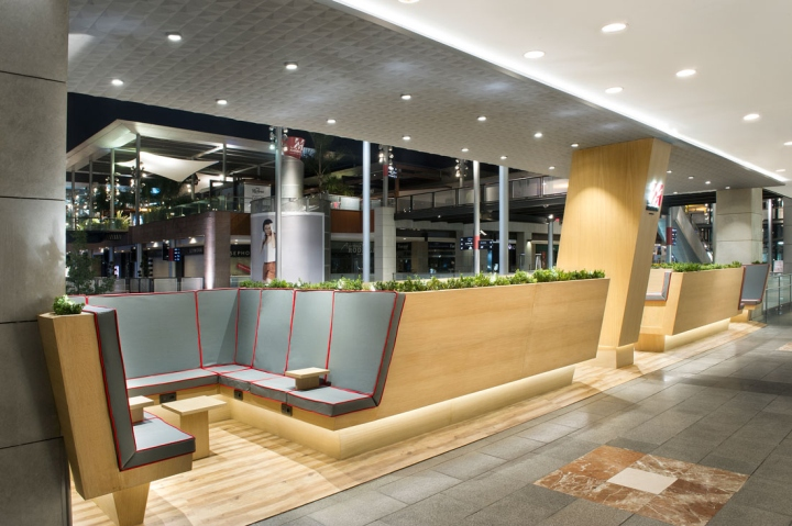 La maquinista shopping center rest area by egue y seta - Centre comercial la maquinista ...