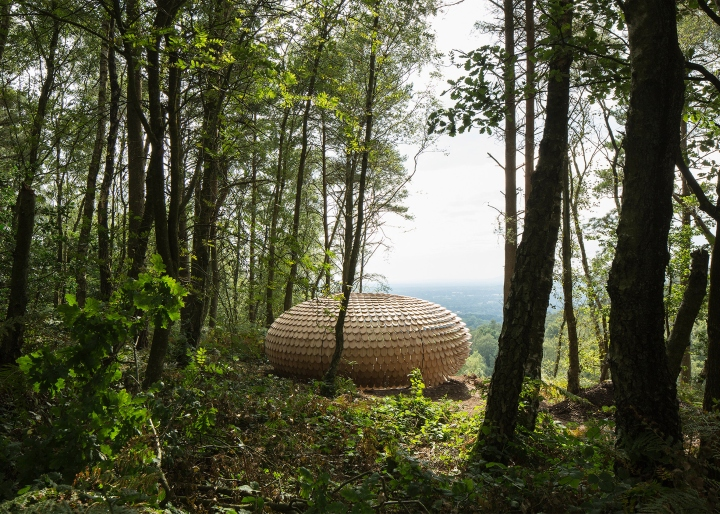 Shingle covered pavilion by Giles Miller, Surrey – UK