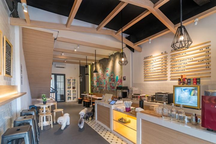 The barkbershop pet grooming studio cafe by evonil for Design hotel jakarta