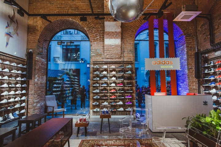 8f9a41e4fb8 On September 23rd adidas Originals opened the doors to its one and only  flagship store in Russia – ORIGINALS MOSCOW situated on 6 3 Kuznetsky Most  Street.