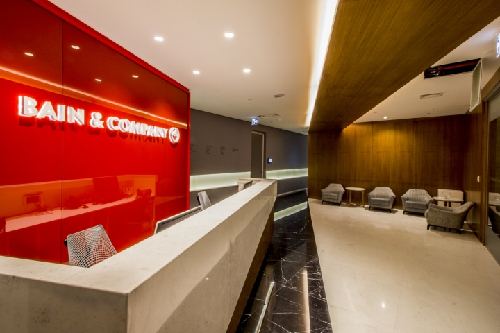 Bain company offices by leonetti piemonte arquitetura for Retail design companies london