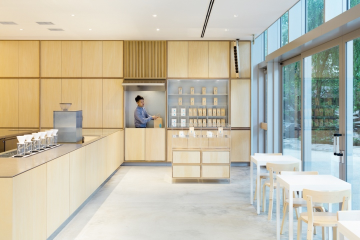 Main Interior Finish Material Is Basswood Plywood, And The Entire Walls Are  Composed Of Regular Repetition Of Wall Cabinets With Doors, While The  Strict ...